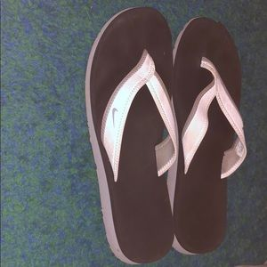 Women's Nike flip flops